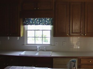 dark cabinets, ugly cabinets, brown cabinets, ugly brown cabinets